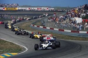 Nelson Piquet, Brabham BT53 BMW, leads from Alain Prost, McLaren MP4-2 TAG, Patrick Tambay, Renault RE50 and Elio de Angelis, Lotus 95T Renault, at the start