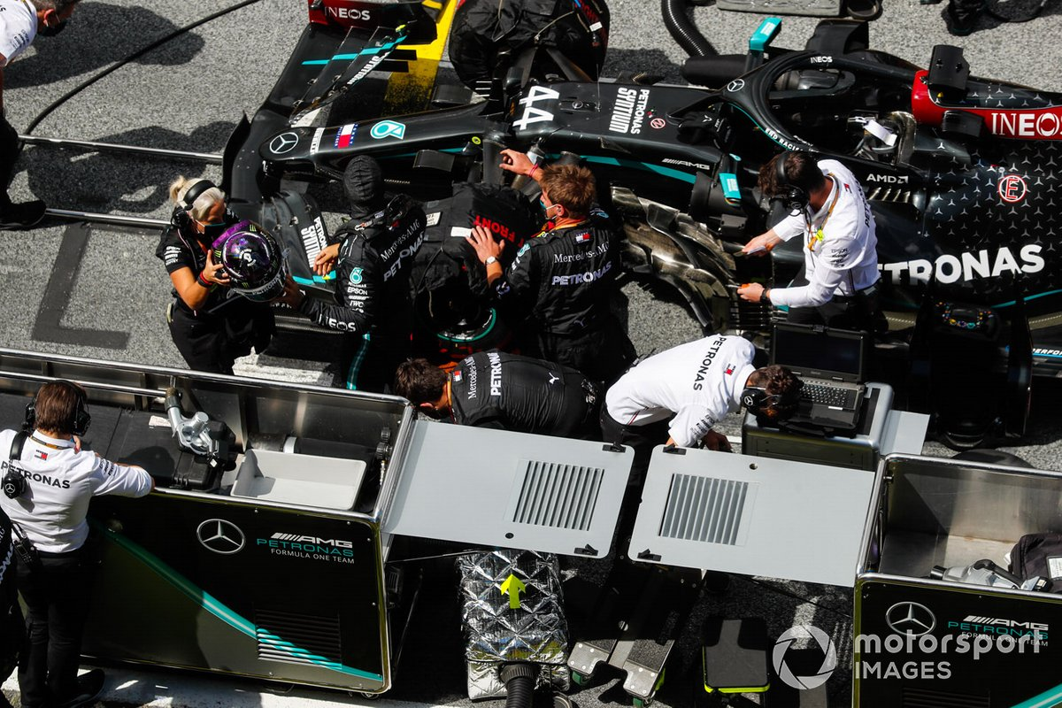 Lewis Hamilton, Mercedes-AMG Petronas F1, on the grid
