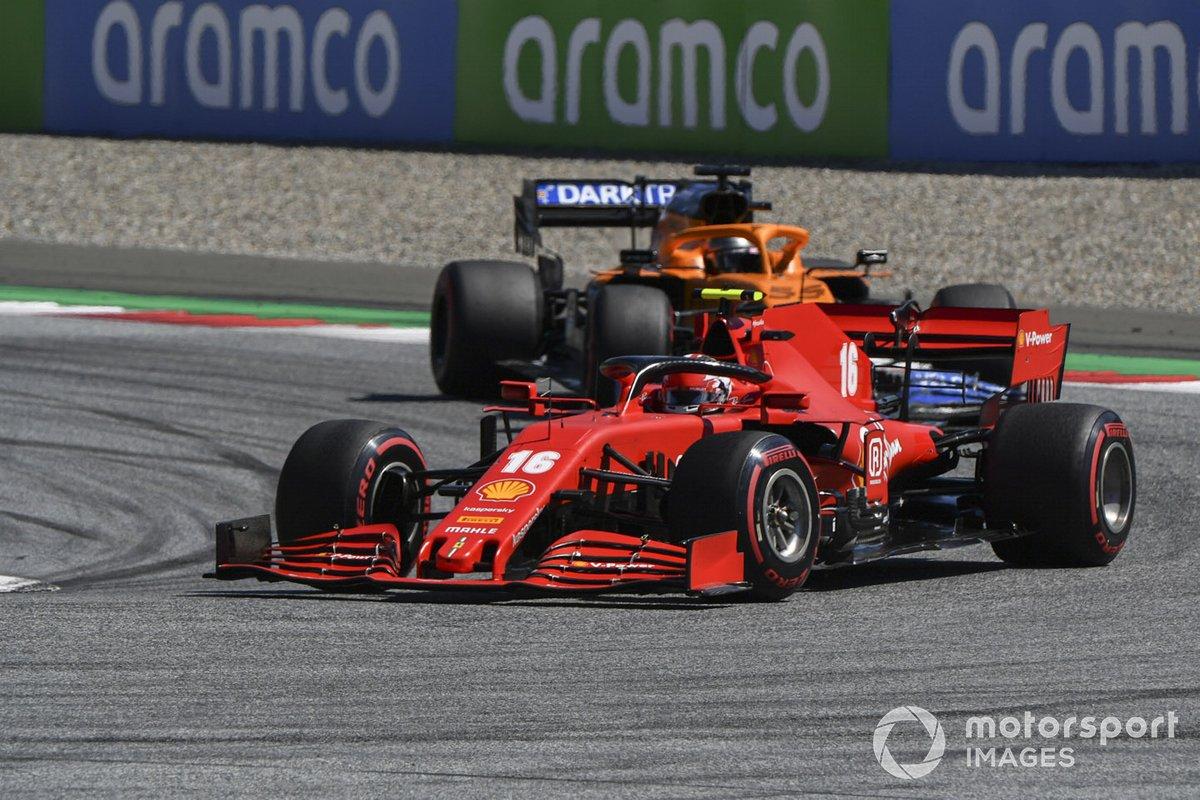 Charles Leclerc, Ferrari SF1000 e Carlos Sainz Jr., McLaren MCL35