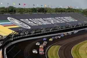 Kyle Busch, Joe Gibbs Racing, Toyota Camry, Brad Keselowski, Team Penske, Ford Mustang