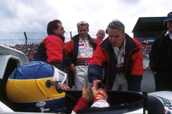Stefan Johansson, Michele Alboreto con el dueño del equipo Reinhold Joest y su compañero Tom Kristensen