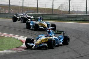 Fernando Alonso, Renault R25 Giancarlo Fisichella, Renault R25, Action