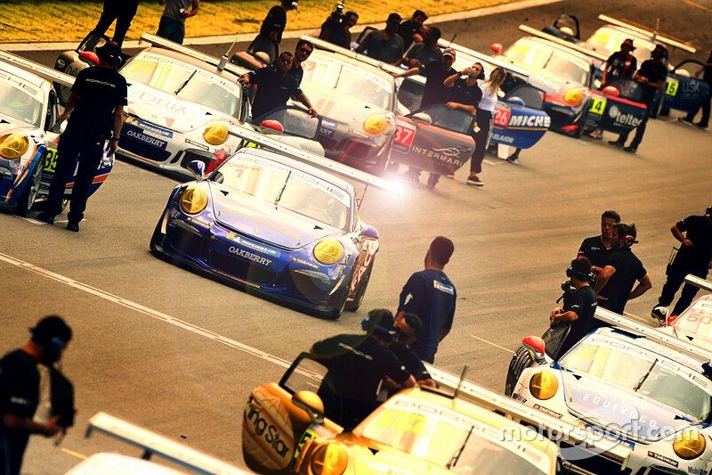 A Porsche Cup realizou apenas sua primeira etapa em Interlagos e aguarda novas diretrizes para retomar o campeonato.