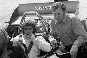Jackie Stewart, y el diseñador de Tyrrell 001, Derek Gardner