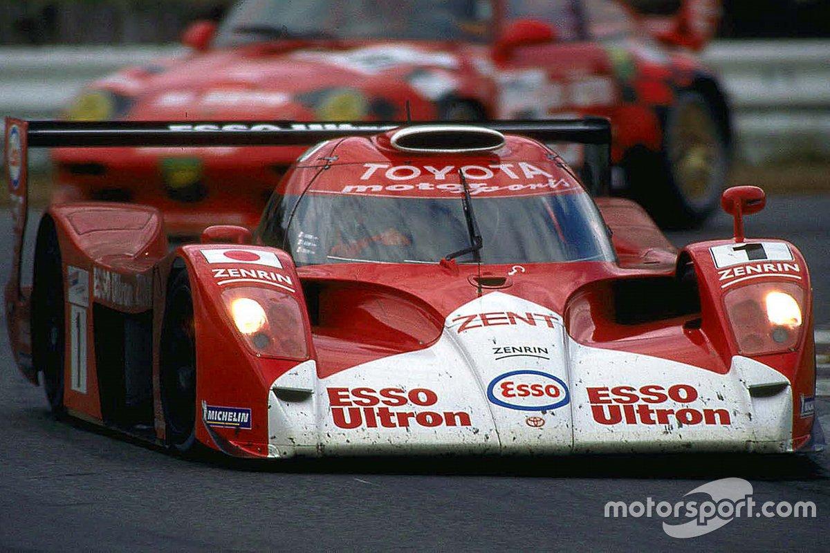 #1 Toyota Motorsport Toyota GT-One: Keiichi Tsuchiya, Toshio Suzuki, Ukyo Katayama