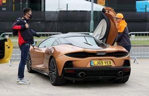 Lando Norris, McLaren and Alex Albon, Red Bull Racing