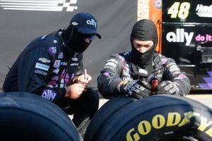 Jimmie Johnson, Hendrick Motorsports, Chevrolet Camaro Ally Fueling Futures Crew Member