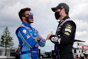 Darrell Wallace Jr., Richard Petty Motorsports, Chevrolet Camaro Victory Junction and Jimmie Johnson, Hendrick Motorsports, Chevrolet Camaro Ally