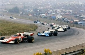 Clay Regazzoni, Ferrari 312B2 precede Chris Amon, Matra MS120D e Carlos Reutemann, Brabham BT37 Ford