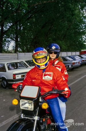 Michele Alboreto, Ferrari, mit Ehefrau Nadia