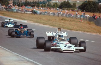 Denny Hulme, McLaren M19A Ford, leads Emerson Fittipaldi, Lotus 72D Ford and Mike Hailwood, Surtees TS9B Ford