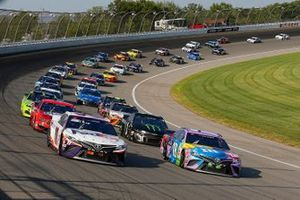Kyle Busch, Joe Gibbs Racing, Toyota Camry M&M's Fudge Brownie, Denny Hamlin, Joe Gibbs Racing, Toyota Camry FedEx Ground