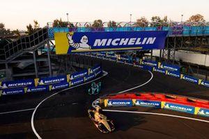 Andre Lotterer, DS TECHEETAH, DS E-Tense FE19 leads Nelson Piquet Jr., Panasonic Jaguar Racing, Jaguar I-Type 3