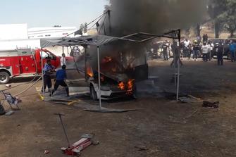Incendio del auto de Benito Guerra, S.A. Motorsport Italia Skoda Fabia R5