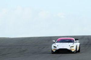 #11 Beechdean AMR Aston Martin V8 Vantage GT4: Kelvin Fletcher, Martin Plowman