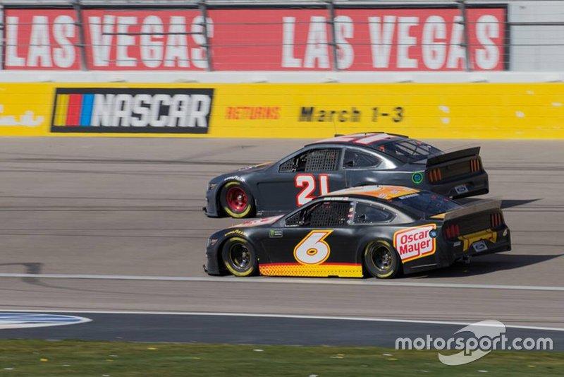 Paul Menard, Wood Brothers Racing. Ryan Newman, Roush Fenway Racing.