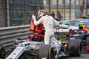 Antonio Giovinazzi, Alfa Romeo Racing, in Parc Ferme after the race