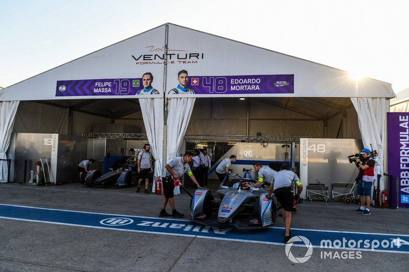 Edoardo Mortara Venturi Formula E, Venturi VFE05, is pushed into the garage by mechanics.