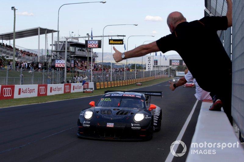I vincitori della gara #912 EBM Porsche 911 GT3-R: Dirk Werner, Dennis Olsen, Matt Campbell