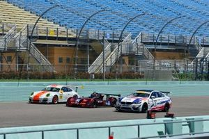 #2 FP1 Radical RPV8 driven by Alessio Zucci of JC Motorsports, #32 FP2 Elan DP-02 of John De Angelis, #71 MP1B Porsche GT3 Cup driven by Sebastian Carazo & Rhamses Carazo of NGT Motorsports