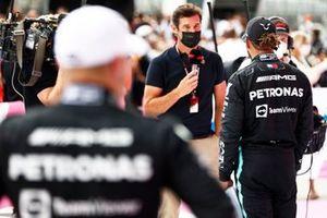 Mark Weber, Channel 4 F1, interviewt Lewis Hamilton, Mercedes