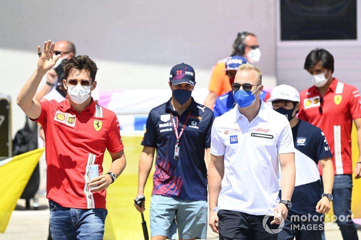 Charles Leclerc, Ferrari, Nikita Mazepin, Haas F1
