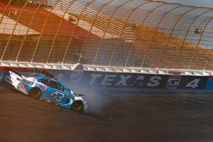 Erik Jones, Richard Petty Motorsports, Chevrolet Camaro Petty's Garage crash
