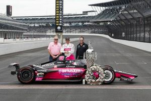 Helio Castroneves, Meyer Shank Racing Honda Meyer Shank Racing Honda with team owners Mike Shank and Jim Meyer