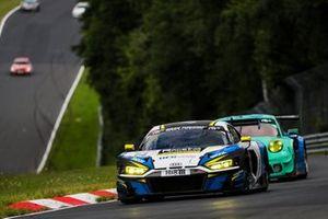 #14 RaceIng - Racing Engineers Audi R8 LMS GT3: Bernhard Henzel, Pavel Lefterov