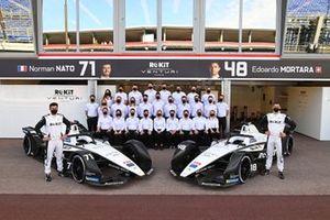 Norman Nato, Venturi Racing, Susie Wolff, Team Principal, Venturi, Edoardo Mortara, Venturi Racing, pose for a photo with the team