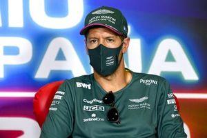 Sebastian Vettel, Aston Martin en la conferencia de prensa