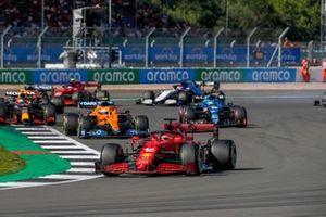 Charles Leclerc, Ferrari SF21, Lando Norris, McLaren MCL35M, en Sergio Perez, Red Bull Racing RB16B