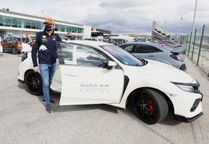 Max Verstappen, Red Bull Racing komt aan bij Portugal GP
