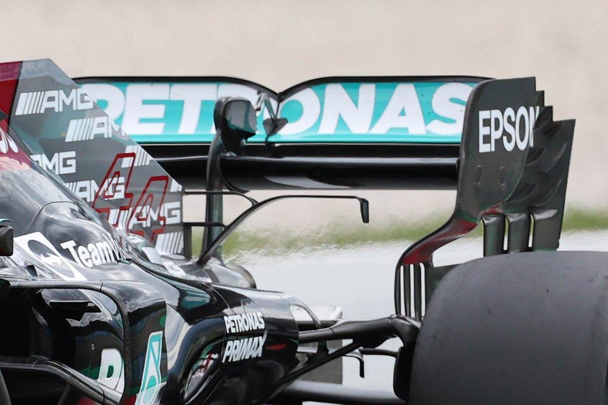 Detalle del alerón trasero del Mercedes W12 de Lewis Hamilton