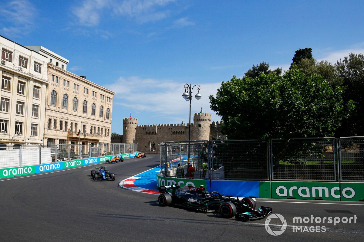 Valtteri Bottas, Mercedes W12, Esteban Ocon, Alpine A521, Lando Norris, McLaren MCL35M