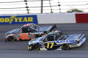 #02: Kris Wright, Young's Motorsports, Chevrolet Silverado WrightCars.com, #17: David Gilliland, Team DGR, Ford F-150 Black's Tire