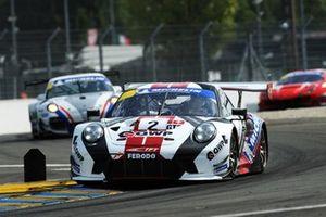 #2 Porsche 911 GT3 R, PZOBERER ZURICHSEE BY TFT, Nicolas Leutwiler, Julien Andlauer