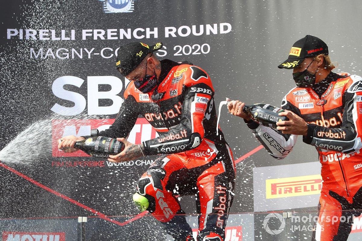 Podio: il vincitore Scott Redding, Aruba.it Racing Ducati, third place Chaz Davies, ARUBA.IT Racing Ducati