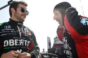 Marco Andretti, Andretti Herta with Marco & Curb-Agajanian Honda, Tony Kanaan, A.J. Foyt Enterprises Chevrolet