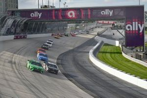 Kyle Busch, Joe Gibbs Racing, Toyota Camry Interstate Batteries, Aric Almirola, Stewart-Haas Racing, Ford Mustang Smithfield Hometown Original