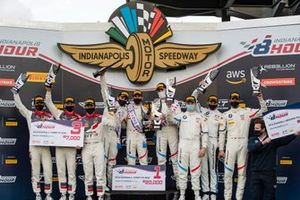 Podium: Race winner #34 Walkenhorst Motorsport BMW M6 GT3: Augusto Farfus, Nicky Catsburg, Connor De Phillippi, second place #35 Walkenhorst Motorsport BMW M6 GT3: Martin Tomczyk, Nick Yelloly, David Pittard, third place #30 Team Honda Racing Honda NSX GT3 Evo: Mario Farnbacher, Dane Cameron, Renger van der Zande