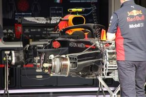 Red Bull Racing RB16 front suspension