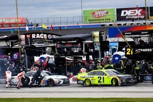 Matt DiBenedetto, Wood Brothers Racing, Ford Mustang Menards / Richmond, Daniel Suarez, Gaunt Brothers Racing, Toyota Camry The NASCAR Foundation