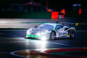 #27 Hub Auto Ferrari 488 GT3: Kamui Kobayashi, Marcos Gomes, Tom Blomqvist