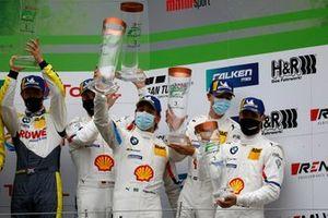 Podio: #42 BMW Team Schnitzer BMW M6 GT3: Augusto Farfus, Jens Klingmann, Martin Tomczyk, Sheldon van der Linde