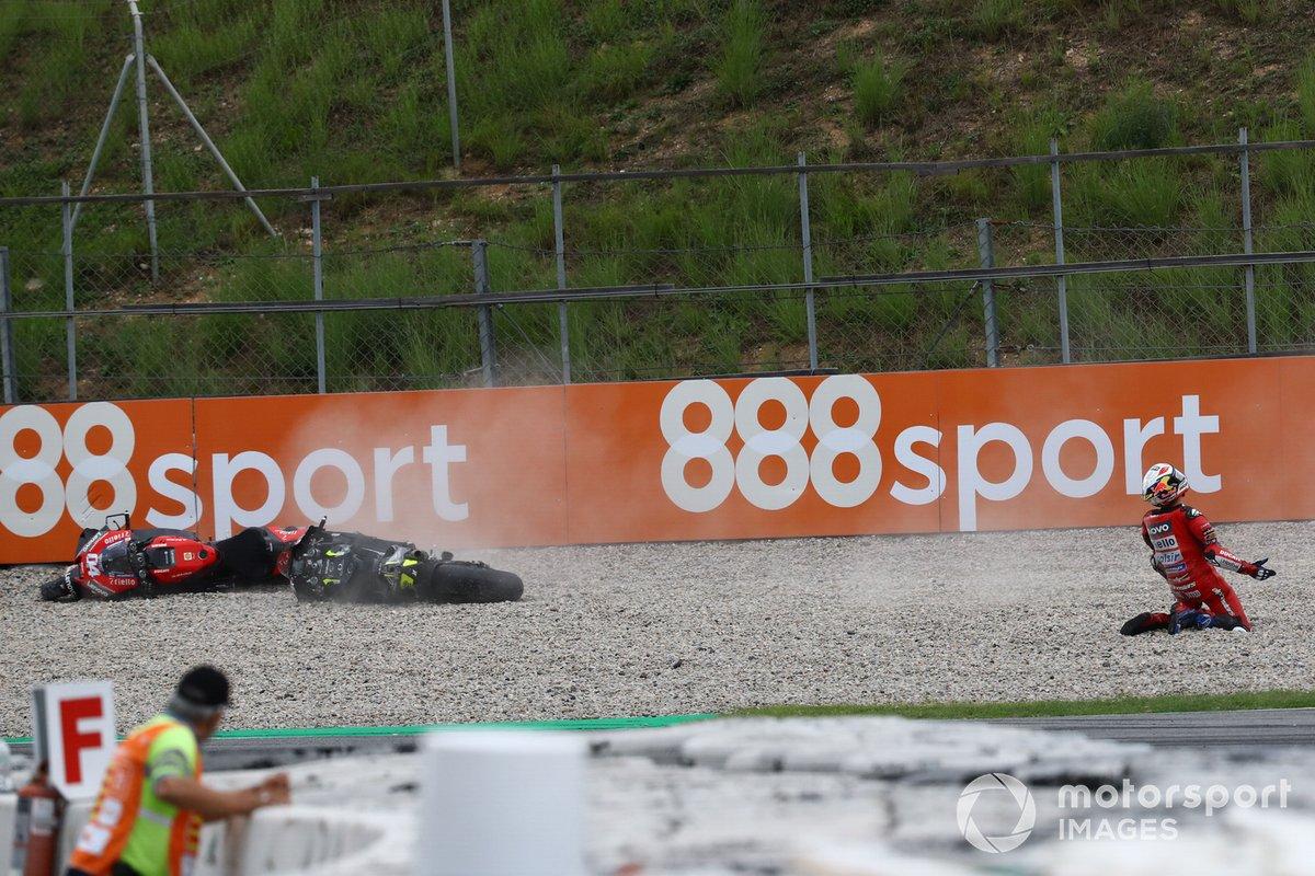 Andrea Dovizioso, Ducati Team después de su caída