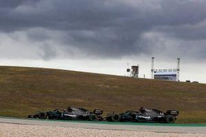 Valtteri Bottas, Mercedes F1 W11, battles with Lewis Hamilton, Mercedes F1 W11