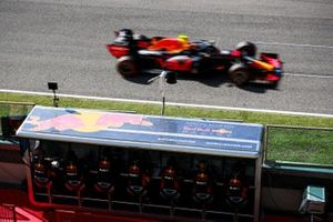 Alex Albon, Red Bull Racing RB16, passes the Red Bull pit wall