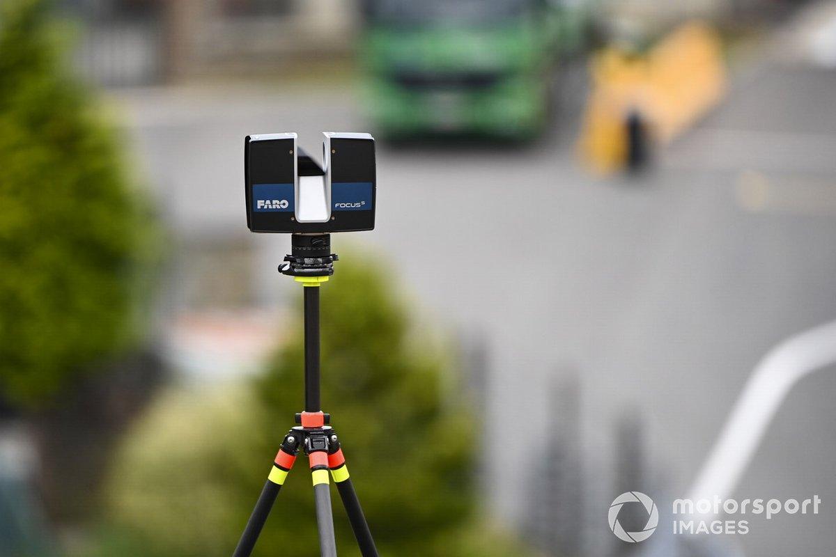 Una cámara de control en la pista