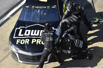 Jimmie Johnson, Hendrick Motorsports, Chevrolet Camaro Lowe's for Pros, makes a pit stop.
